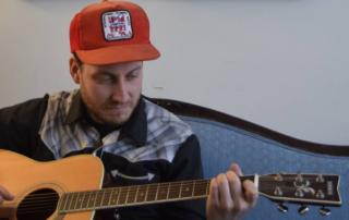 Richard Laviolette playin guitar